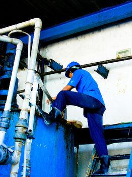 Przemysłowe zbiorniki ze stali kwasoodpornej