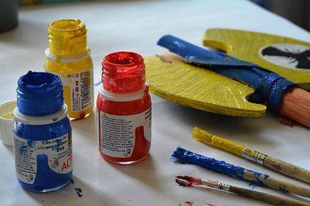 Farby olejne czy akrylowe – co wybrać?