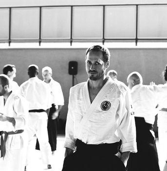 Judoga a klasyczne gi. Jakie kimono wybrać?