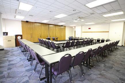 Na co zwrócić uwagę przy wyborze sali konferencyjnej?