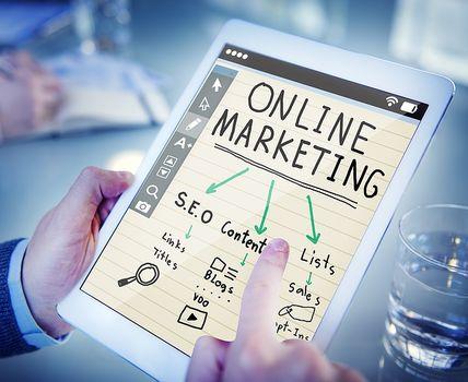 Reklama w sieci i namioty reklamowe, czyli jak promować się w dzisiejszych czasach