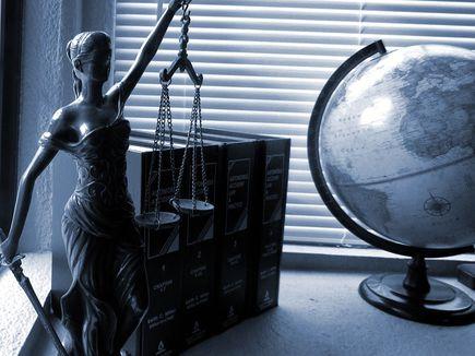 O zawodach prawniczych słów kilka