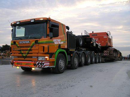 Transport niskopodwoziowy - czyli transportujemy ciężkie ładunki