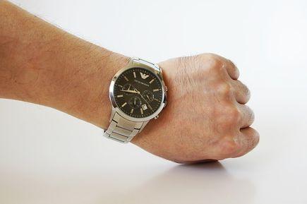 Na co zwrócić uwagę przy wyborze zegarka?