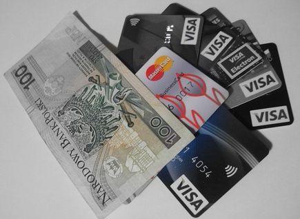Klienci nie chcą darmowych kont. Wolą płacić niż ponosić ukryte koszty