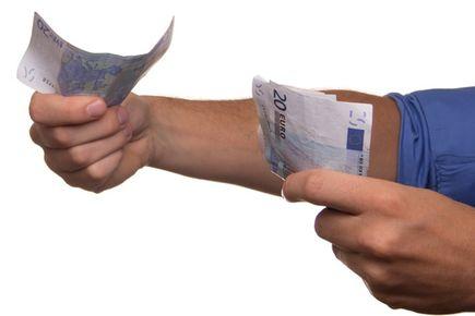 Szybka pożyczka - pułapka czy bankowa alternatywa?
