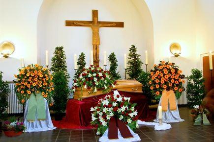 Ostatnie pożegnanie. Dobór kwiatów na pogrzeb