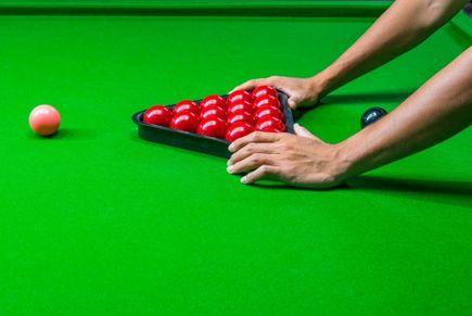 Jak dobrać stół do snookera?