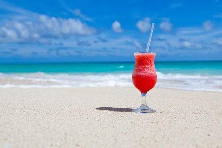 Planujesz wakacyjny wyjazd? Zaopatrz się w wodoodporny telefon