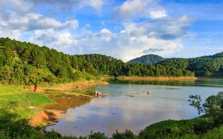 Mniej znane, dalekie miejsca na urlop - Tanzania, Wenezuela, Wietnam, Laos - kultura, atrakcje