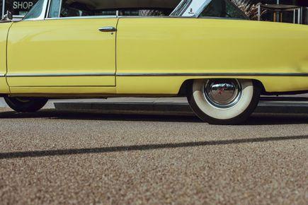 Nie trzymaj oldtimera w garażu! Kup ubezpieczenie i wyrusz w podróż marzeń