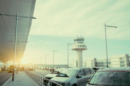 Jak wybrać parking przy lotnisku Balice? 5 rzeczy, na które musisz zwrócić uwagę