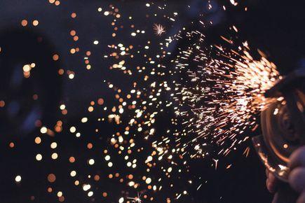 Obróbka CNC – dlaczego jest lepsza od konwencjonalnej?