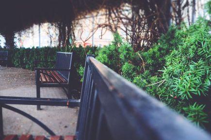Jak produkowane są meble miejskie?