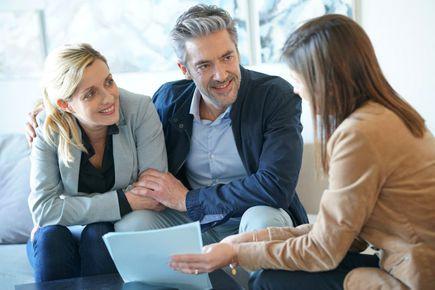 Pomoc w obniżeniu rat - w jaki sposób pośrednicy kredytowi dobierają odpowiedni kredyt konsolidacyjny