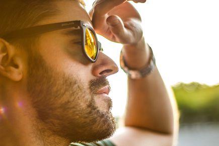 Jakie parametry powinny mieć dobre okulary przeciwsłoneczne?
