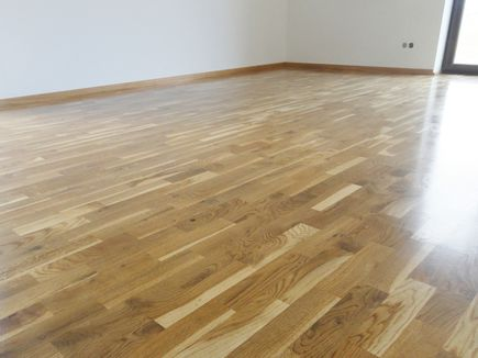 Jak woskować podłogę?