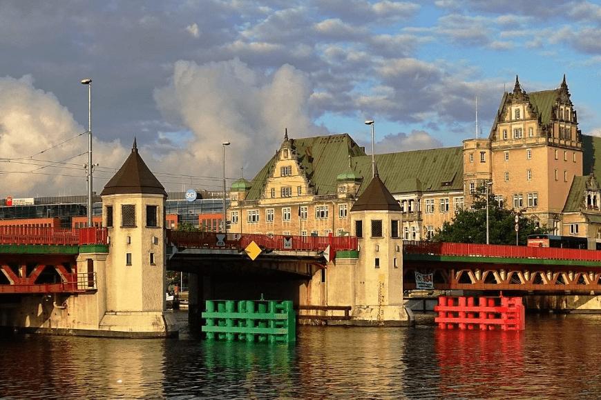 Co warto zobaczyć podczas spływu rzeką Odrą?