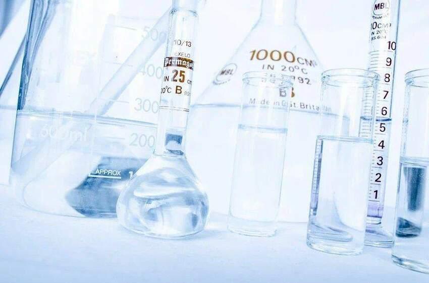 Do czego nadaje się chemia cynkowa i jak się z nią obchodzić?