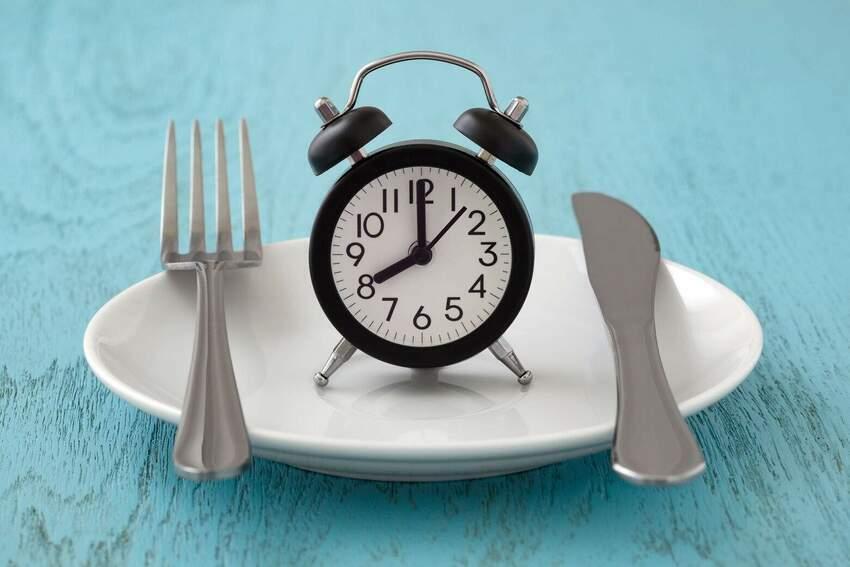 Intermittent Fasting - Wszystko Co Musisz Wiedzieć