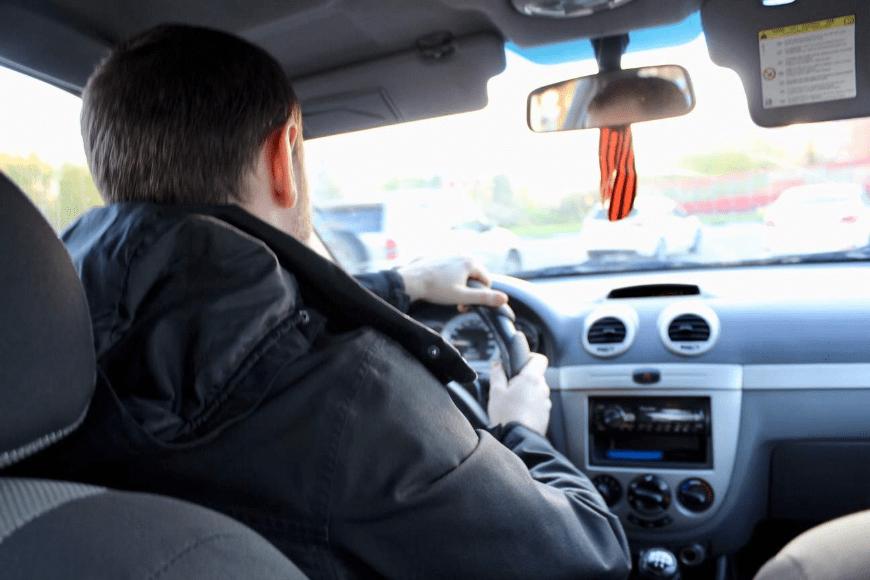 Czy młodzi kierowcy piją więcej? - Alkohol a jazda samochodem