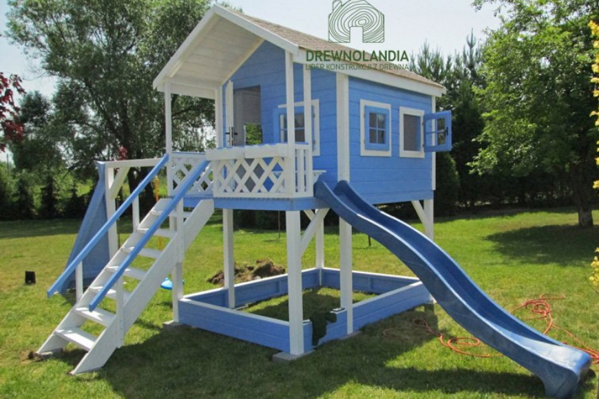 Drewniany domek ogrodowy dla dzieci - jak wybrać odpowiedni?