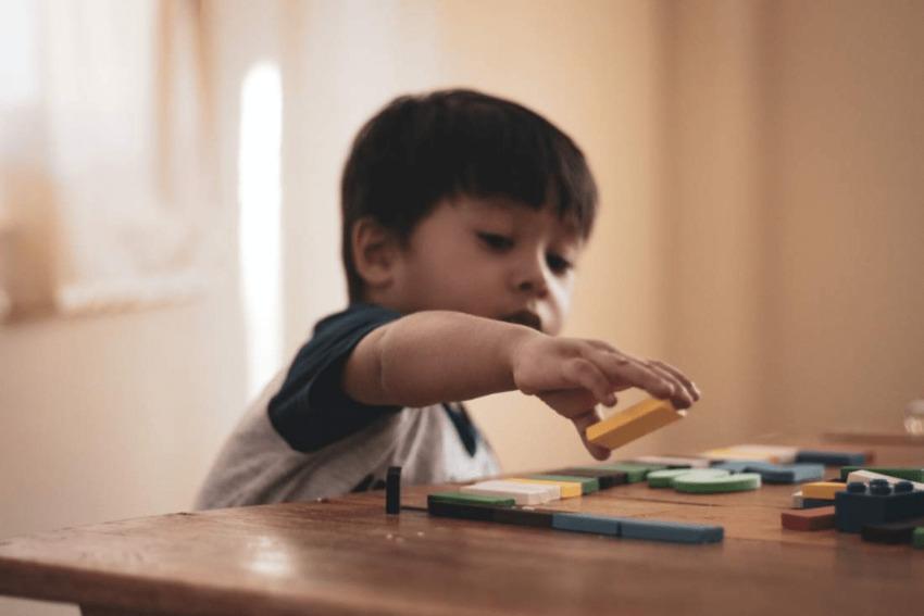 Jakie zabawki kreatywne są warte uwagi każdego rodzica?