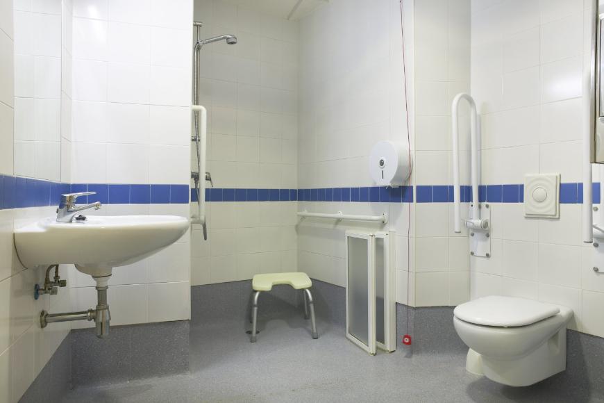 Typy taboretów pod prysznic - który będzie najlepszy?