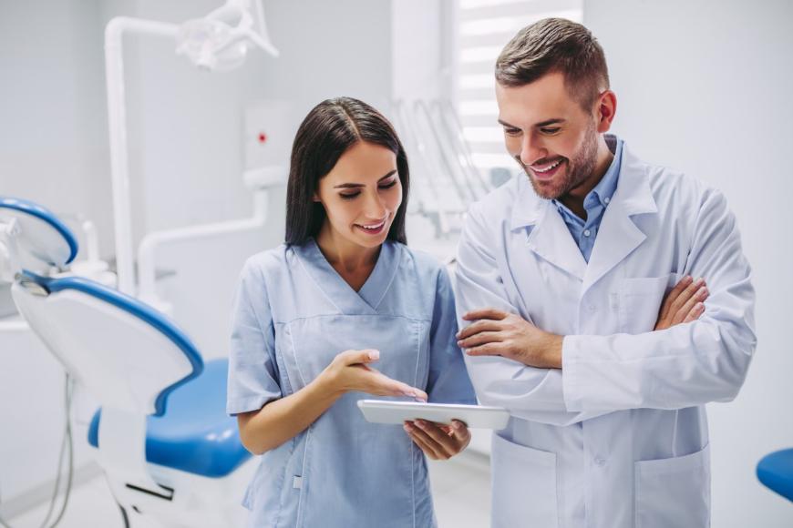 Chirurgia stomatologiczna - jak wybrać dobrego specjalistę