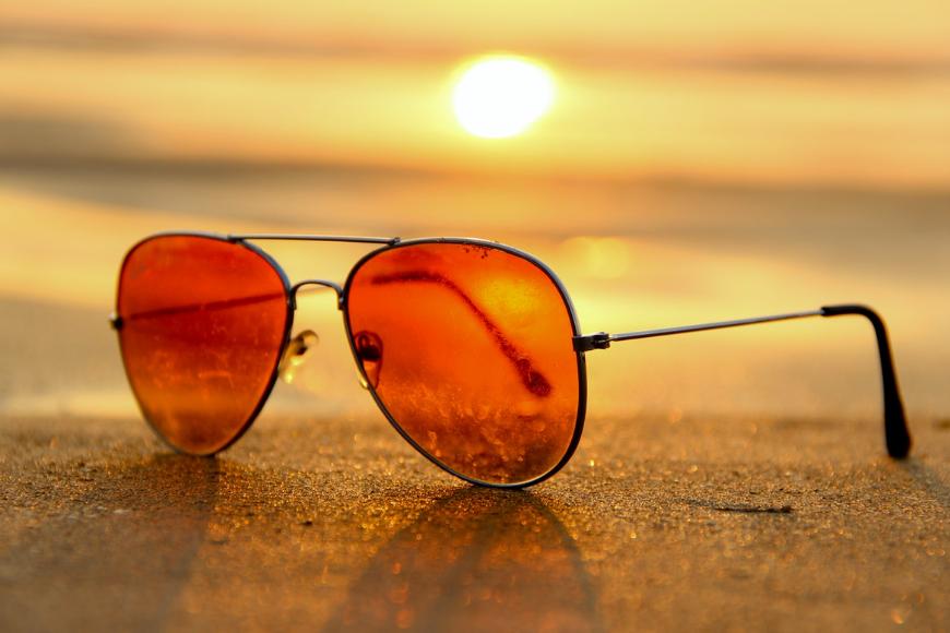Czemu warto wybierać markowe okulary przeciwsłoneczne?