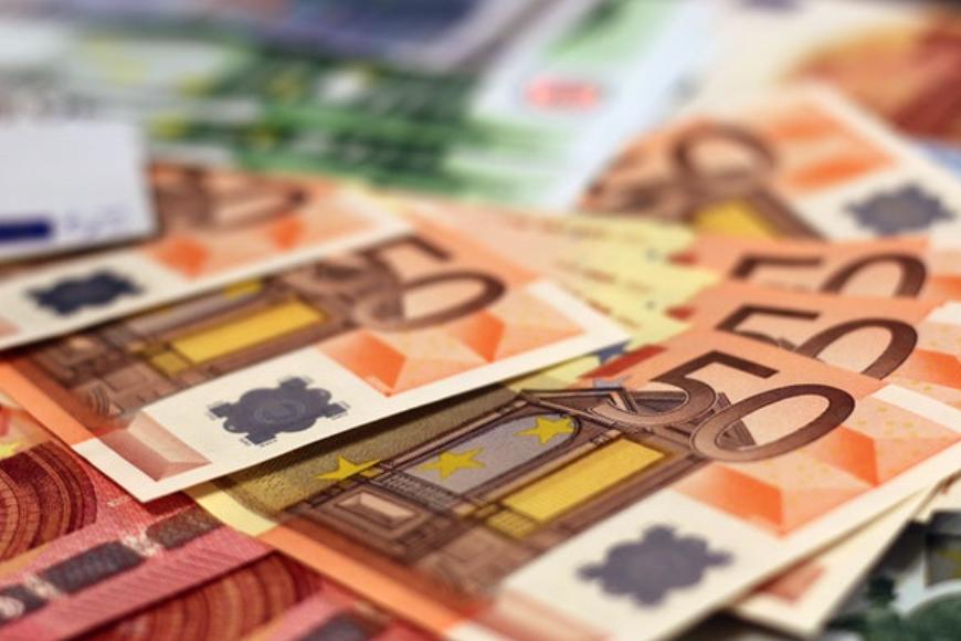 Kto może skorzystać z pożyczek pozabankowych przez internet na dowód?