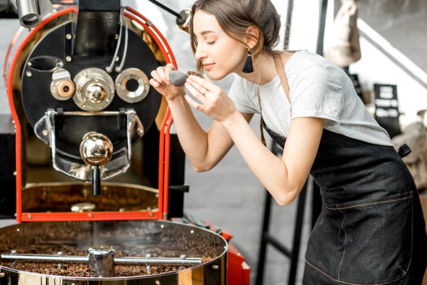 Na czym polega praca palarni kawy?
