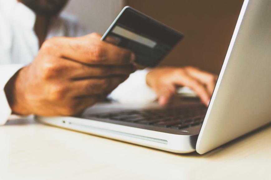 Jak uniknąć niebezpieczeństw i pułapek podczas obstawiania zakładów online?