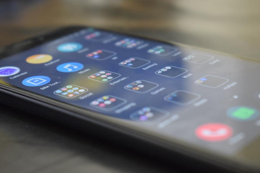 Jaki telefon do 1500 zł? Sprawdź najlepsze smartfony