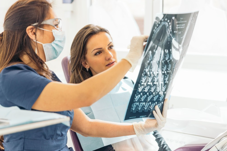 Wszystko, co musisz wiedzieć o aparatach ortodontycznych samoligaturujących