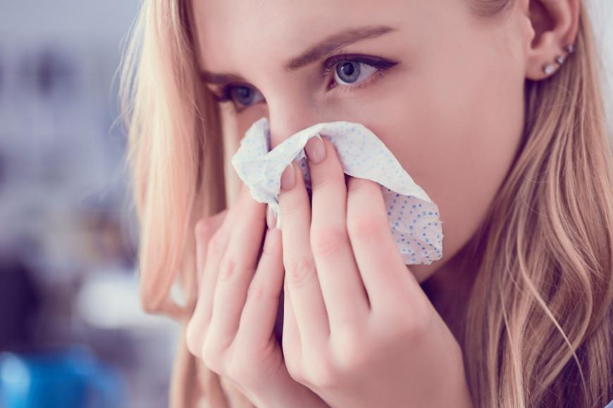 Alergiczny nieżyt nosa. Jak mu skutecznie zaradzić?