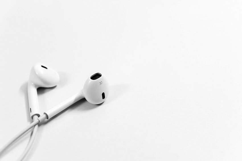 3 zalety korzystania z dobrych słuchawek dousznych