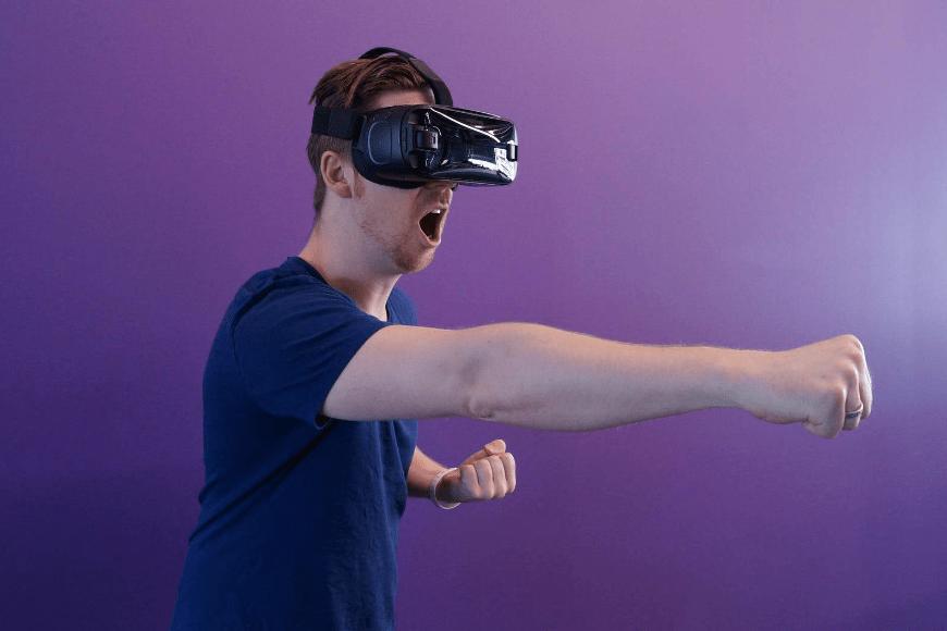 Jak wirtualna rzeczywistość wpłynie na rynek gier online?
