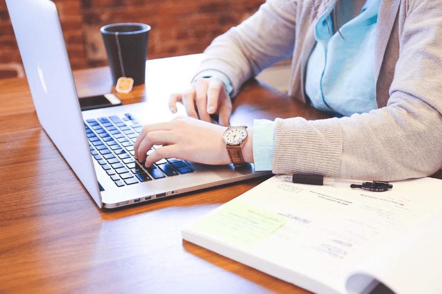 Kurs niemieckiego online - czy warto wziąć w nim udział?