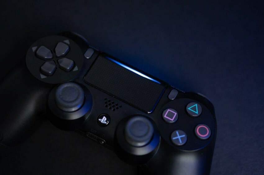 Premiera PS5 – co musisz wiedzieć o nowej konsoli Sony? Data, specyfikacja, porównanie z PlayStation 4