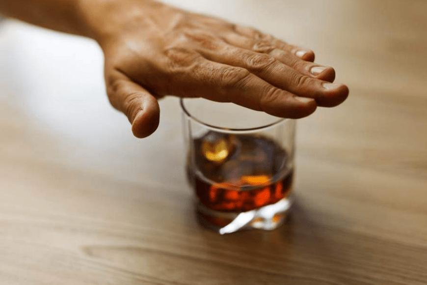 Esperal – historia wszywki alkoholowej