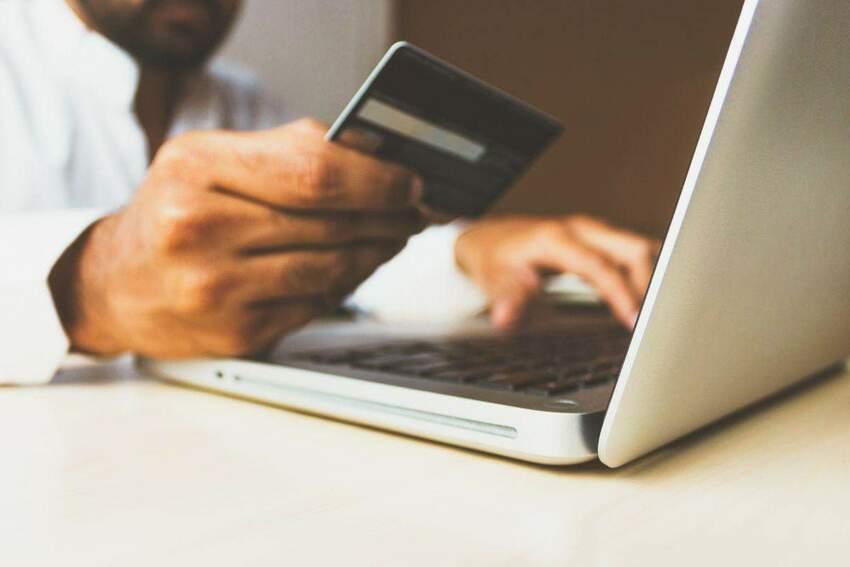 Pay-by-link i płatności kartą online – porównanie i zalety rozwiązań
