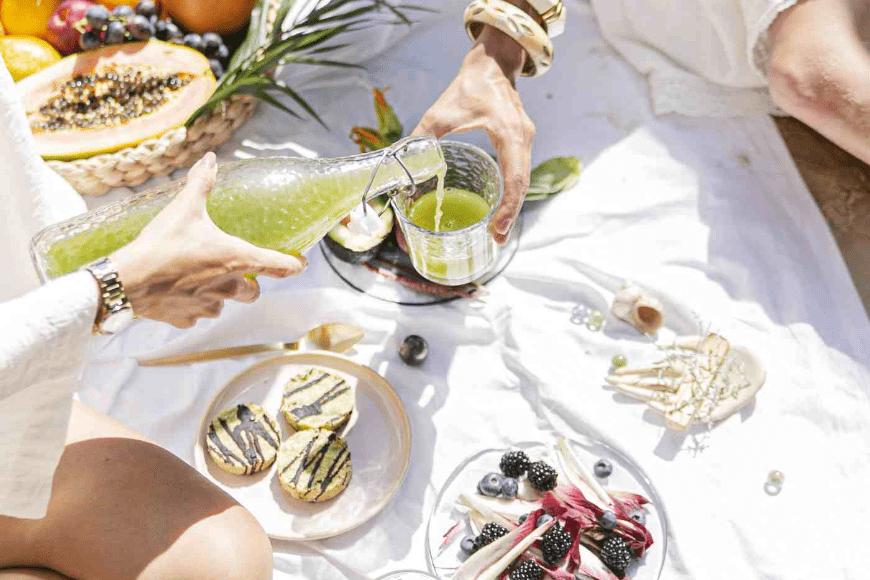 Dieta sirtfood – na czym polega i jak sprawdza się w praktyce?