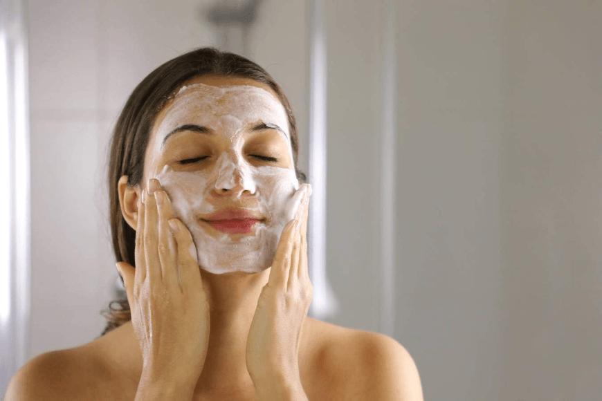 Naturalne peelingi do twarzy - fakty i mity
