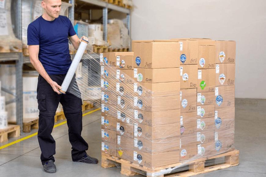 Folie do pakowania przesyłek – poradnik zakupowy