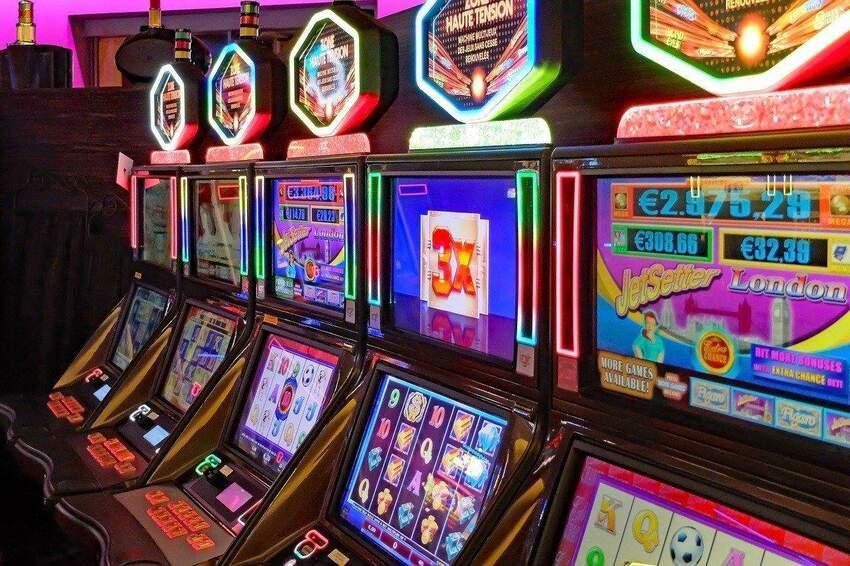 Darmowe spiny w kasynach online: jak uzyskać najbardziej dochodowy bonus