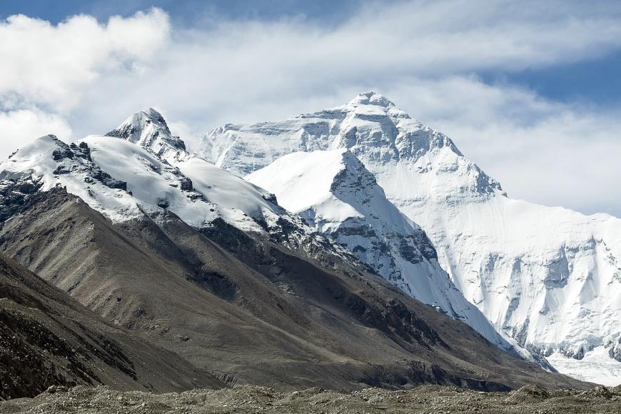 Ciała wspinaczy na Mount Everest. Ponura prawda o wspinaczce na najwyższą górę świata